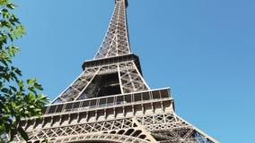 La famosa Torre Eiffel de París metrajes
