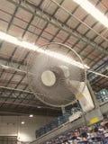 La fan est à l'installation frigorifique Images libres de droits