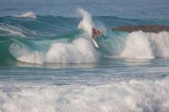 La favorable competencia que practica surf de Ballito fotografía de archivo