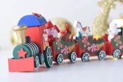 La Feliz Año Nuevo, la Navidad con las bolas de la celebración y la otra decoración Fotografía de archivo