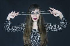 La femme-énigme. image stock