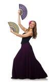 La femme avec des danses de danse de fan d'isolement sur le blanc Image libre de droits