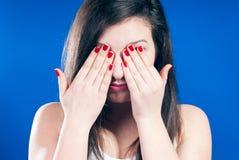 La femme avec des yeux s'est fermée Images libres de droits