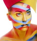 La femme avec la g?om?trie cr?ative composent, rouge, jaune, sourire bleu de plan rapproch? color?, concept lumineux photos libres de droits