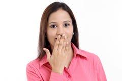 La femme avec remettent la bouche images stock
