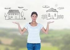 La femme choisissant ou décidant autoguide avec les mains ouvertes de paume Image stock