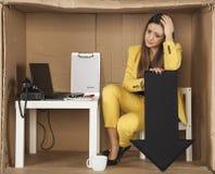 La femme déprimée d'affaires, affaires est tombée Images libres de droits