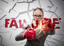 La femme d'affaires dans le concept d'affaires d'échec photo libre de droits