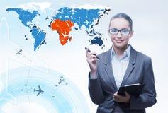 La femme d'affaires dans le concept de transport du monde Image stock