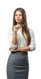 La femme d'affaires de coupe-circuit se tient avec les bras pliés recherchant Photos stock