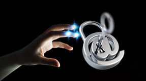La femme d'affaires employant 3D a rendu le cadenas numérique pour fixer le sien dedans Photo libre de droits