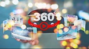 La femme d'affaires employant la technologie 3D en verre de réalité virtuelle rendent Images libres de droits