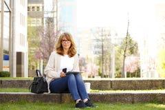 La femme d'affaires a une coupure Photographie stock libre de droits
