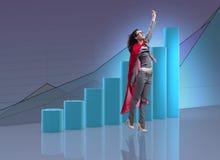 La femme dans la couverture rouge dans le concept d'affaires Images stock