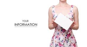 La femme dans une impression florale de robe dans le signe blanc de mains pattren Photos stock