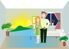La femme et l'homme regarde l'écran intelligent Image libre de droits