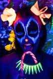La femme Halloween au néon composent photo libre de droits