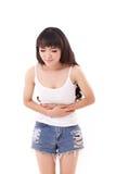 La femme malade avec le mal d'estomac, douleur de ventre, maladie, guérissent Image libre de droits