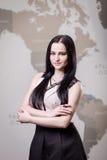 La femme moderne d'affaires dans le bureau avec l'espace de copie, se ferment vers le haut du por Image libre de droits