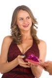 la femme obtiennent le cadeau de surprise images stock