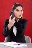 La femme prend des photos à votre téléphone Image stock