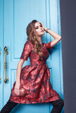 La femme sexy de beauté vêtx le style de mode de maquillage Photographie stock libre de droits