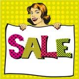 La femme tient l'affiche de livre blanc avec le signe de vente Illustration comique de vecteur de style d'art de bruit rétro Images libres de droits