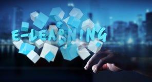 La femme touchant 3D de flottement rendent la présentation d'apprentissage en ligne avec c Photographie stock