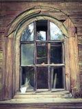 La fenêtre avec le verre cassé Images stock