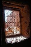 La fenêtre de Kasbah Ait Ben Haddou, Maroc Image stock