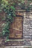 La fenêtre en bois sont fermées Photographie stock libre de droits