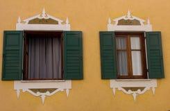 La fenêtre ouverte de l'Italie le Tirol de vieil Tyrol de ` de Cortina d de maison de Windows Italie arhitecture d'art d'Ampezzo  image libre de droits