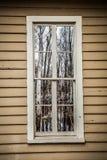La fenêtre reflète le marais fantasmagorique Photographie stock libre de droits