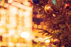 La feria del Año Nuevo en cuadrado rojo en Moscú Decoración festiva Decoración de la Navidad imagenes de archivo