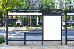 La fermata dell'autobus aggiunge, insegne di Blanck da un viale fotografie stock libere da diritti