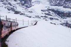 La ferrovia di Jungfrau è una ferrovia a cremagliera del calibro del tester che funzionamenti 9 Immagini Stock Libere da Diritti