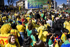 La fiebre del fútbol de la taza de mundo aprieta Sandton Imagenes de archivo