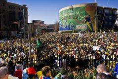 La fiebre del fútbol de la taza de mundo aprieta Sandton Foto de archivo