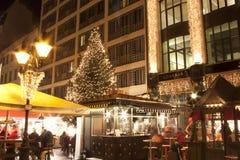 La fiera di Natale sta a Budapest fotografie stock libere da diritti