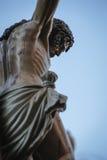 La figura de Jesús en la cruz talló en madera del escultor Alva Fotos de archivo libres de regalías