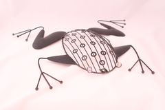 La figurine exclusive de grenouille est fabriqu?e ? la main photographie stock libre de droits