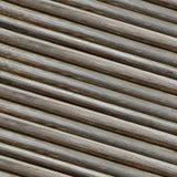 La fila de las líneas grises diseño bajo rústico del paralelo de los registros del fondo de madera proveyó de costillas sin fin i foto de archivo