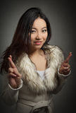 La fille asiatique attirante 20 années a tiré dans le studio Photos stock
