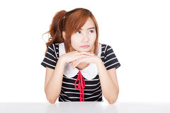 La fille asiatique obtiennent ennuyeuse image stock