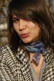 La fille attirante souffle un baiser Photographie stock libre de droits
