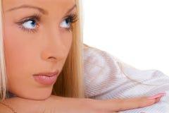 La fille aux yeux bleus photographie stock libre de droits