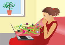 La fille avec l'ordinateur portatif Photographie stock libre de droits
