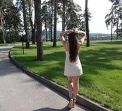 La fille avec le long cheveu Images stock