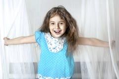 La fille barbote Images libres de droits