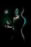 La fille chauve jongle Image libre de droits